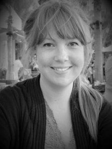 Pet portrait artist, Rosie Coyne